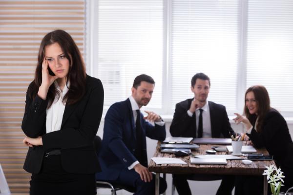 Qué hacer cuando tus compañeros de trabajo no te quieren