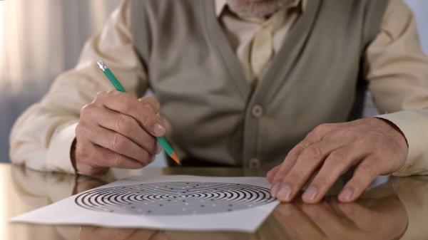Cómo calmar a una persona con demencia senil - Ayuda a resolver el problema