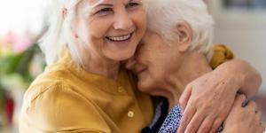 Cómo calmar a una persona con demencia senil