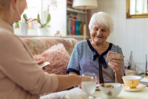 Actividades para personas con Alzheimer - Baraja de cartas