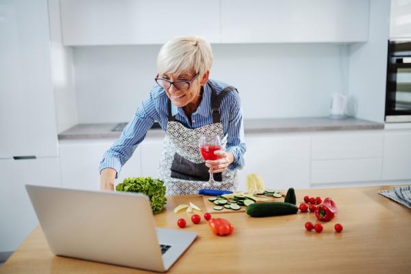 Comer sano en verano: ideas y consejos psicológicos - Disfrutar nuevos platos