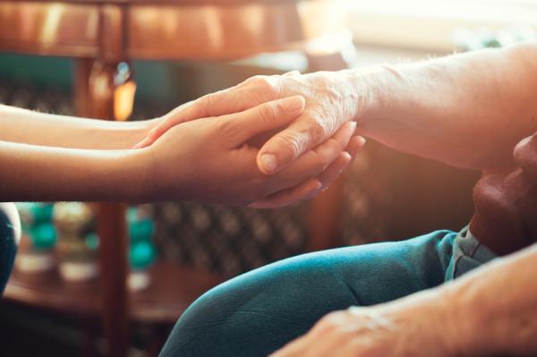 Apego emocional en adultos: tipos, causas y síntomas