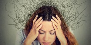 Disgregación del pensamiento: qué es, cómo se manifiesta y ejemplos