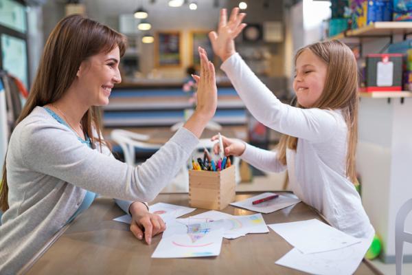 Cómo ayudar a mi hijo a ser responsable - 9. Refuerzos y felicitaciones