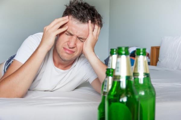 Cómo ayudar a un amigo alcohólico - Cómo ayudar a un alcohólico que no lo reconoce