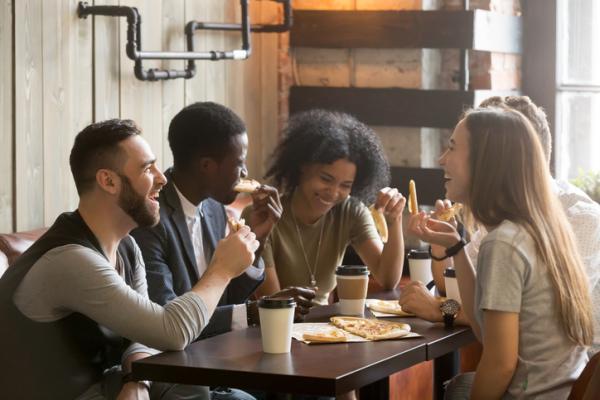 Qué es una persona extrovertida y sus características - Características de las personas extrovertidas