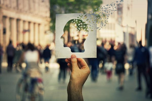 Amnesia retrógrada: qué es, síntomas, causas y tratamiento