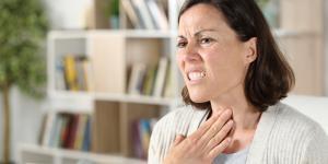 Cómo quitar el nudo en la garganta por tristeza
