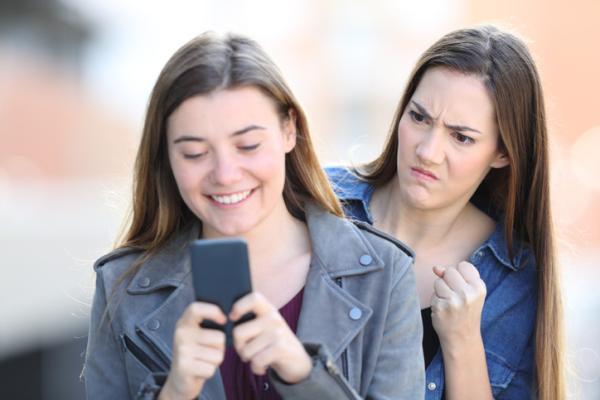 Qué son los celos en psicología - A qué se deben los celos