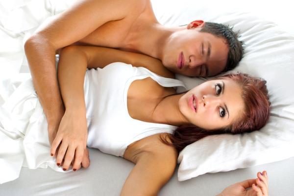 Por qué me cuesta dormir con mi pareja - ¿Por qué no consigo dormir con mi pareja? 6 posibles razones