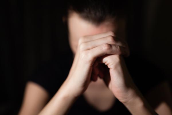 Agorafobia: qué es, causas, síntomas y tratamiento - Agorafobia: síntomas