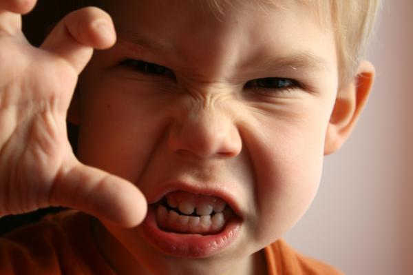 Cómo controlar las emociones negativas en los niños