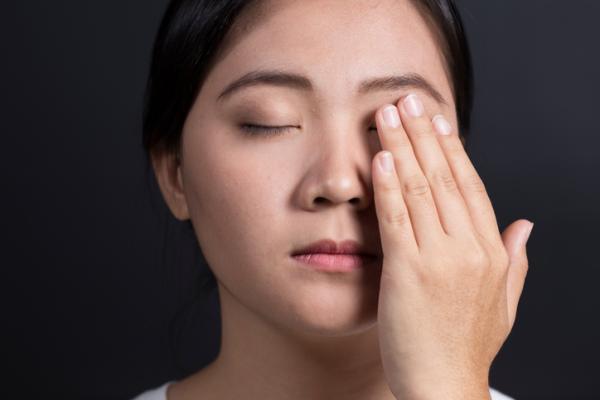 Cómo eliminar los tics nerviosos - ¿Los tics nerviosos se curan?