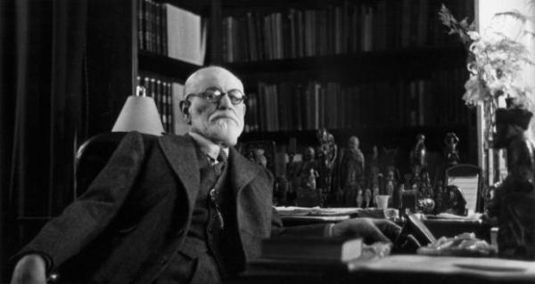 Teorías de personalidad en psicología: Sigmund Freud - Terapia de Sigmund Freud: psicoanálisis e interpretación de los sueños