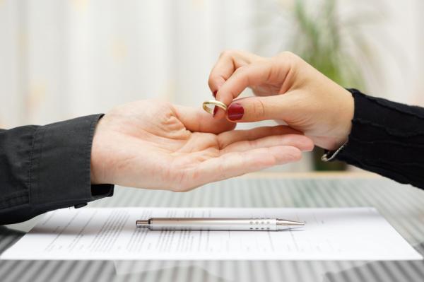 Me arrepiento de haberme casado: ¿qué hago? - ¿Por qué te arrepientes de haberte casado? Seis causas posibles