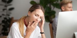 Por qué tengo la necesidad de bostezar por falta de aire y qué puedo hacer