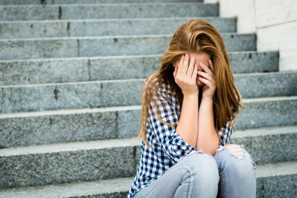 Cómo ayudar a un adolescente con depresión - Problemas que puede tener un adolescente deprimido