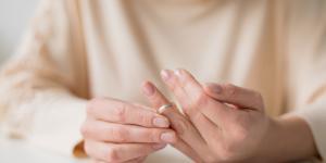 Quiero dejar a mi pareja pero tengo miedo de arrepentirme: ¿qué hago?