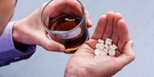 ¿Qué pasa si tomas antidepresivos y alcohol?: Efectos y consecuencias
