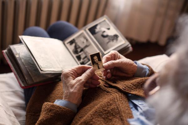 Memoria a largo plazo: qué es, tipos y cómo mejorarla - Memoria declarativa o memoria explícita