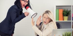 Violencia psicológica: qué es, ejemplos, tipos, causas, consecuencias y cómo prevenirla