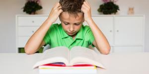 Qué es la dislexia: síntomas, tipos, causas y tratamiento