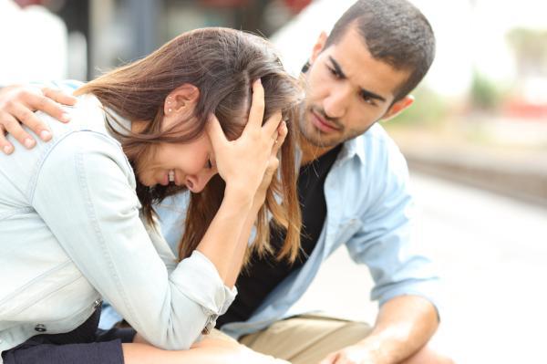 Cómo ayudar a mi pareja a superar un duelo