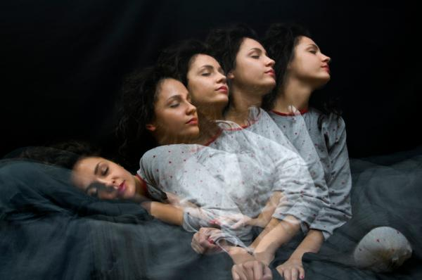 Sonambulismo en adultos: causas, síntomas y tratamiento