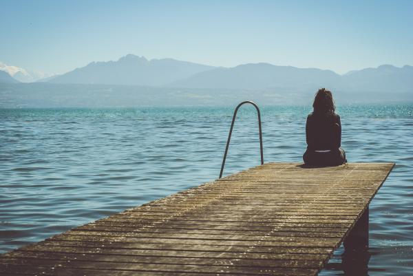 Cómo dejar de pensar en alguien