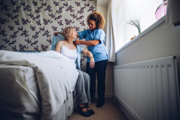 Cuidados del cuidador de personas dependientes - Cuál es la historia de los cuidadores
