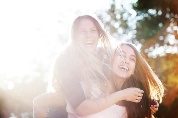 Por qué siento celos si no somos nada - Celos en la amistad