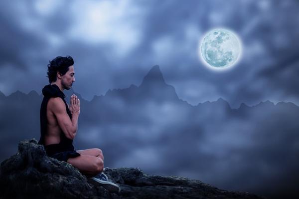 Beneficios de la meditación para el cerebro - La terapia de meditación introspectiva