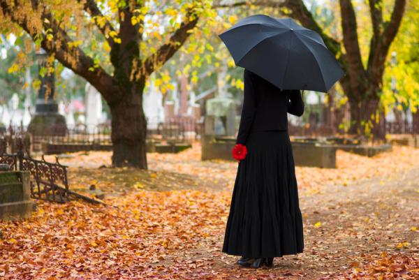 Cómo superar la muerte de un ser querido por cáncer - 7 consejos para superar la muerte de un ser querido fallecido por cáncer