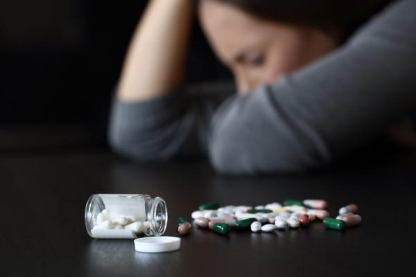 Adicción a las drogas: causas y consecuencias