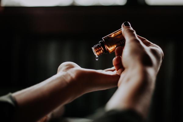 Clonazepam gotas: para que serve, posologia e efeitos colaterais