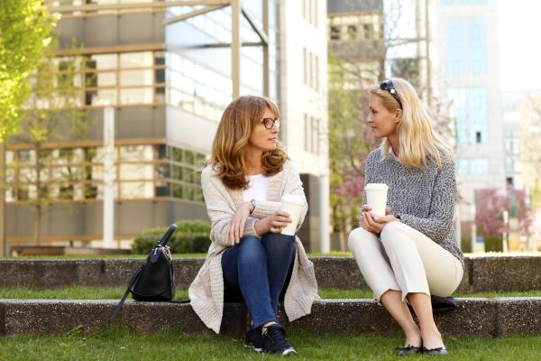 O que é uma pessoa extrovertida e suas características - Diferença entre introvertido e extrovertido