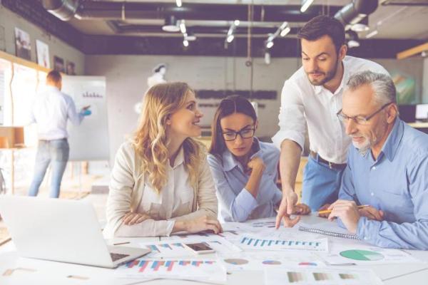 Exemplos de pontos fortes e fracos de uma empresa
