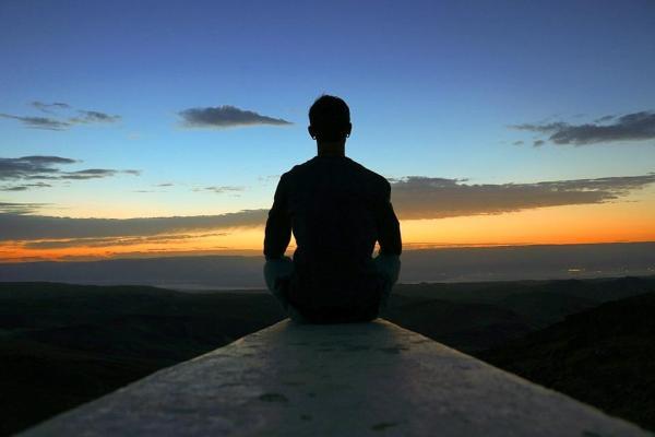 Inteligência existencial: características, exemplos e como desenvolvê-la
