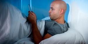 Vício em celular ou nomofobia: sintomas e tratamento