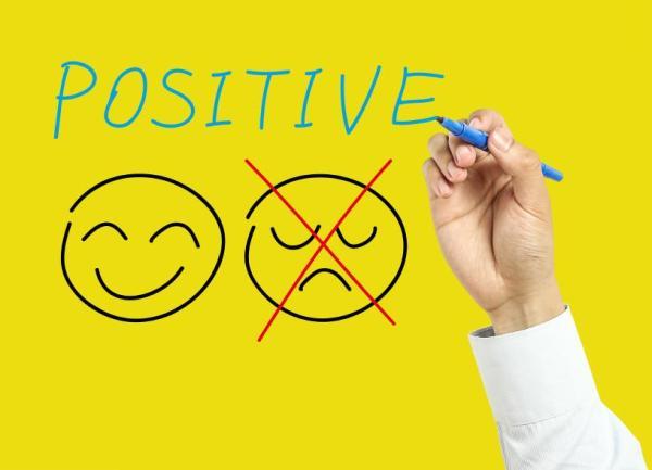 Sinais de uma autoestima baixa e deficiente - A negatividade, outro sinal da autoestima baixa